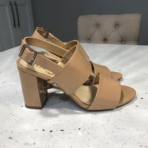 Same Eldeman, Heeled Sandel, Size 5